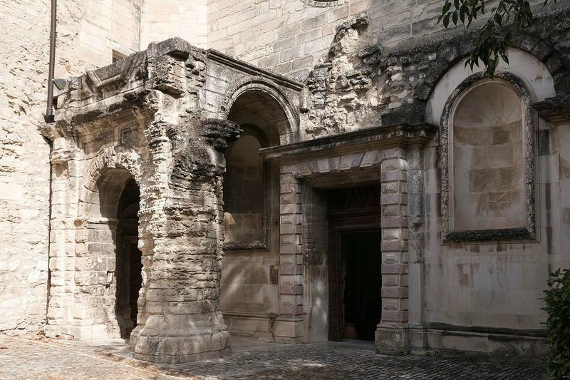 cour de l'église