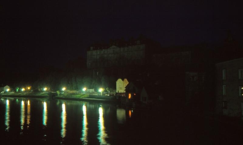 D 93 11 31 Le château et la Sarthe à Sablé la nuit