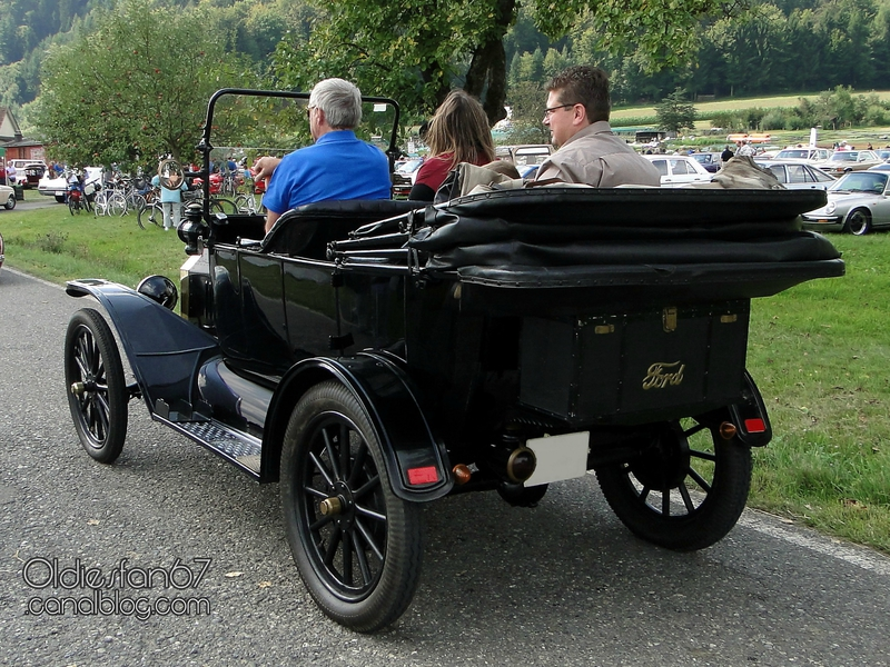 ford-t-touring-1915-02
