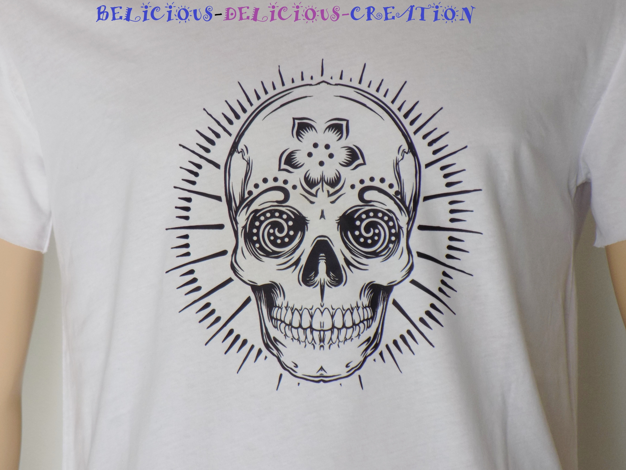 t-shirt mens white slashed with notif skull a