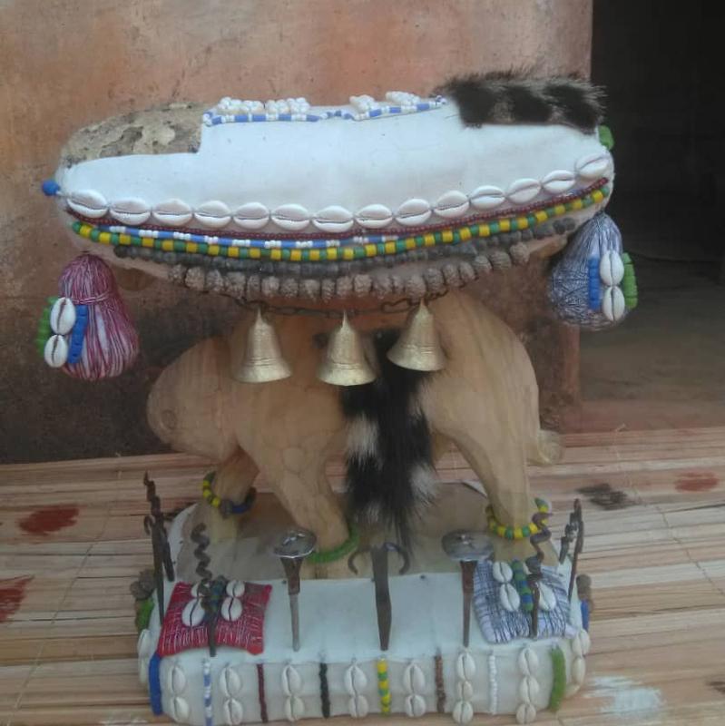 Le trône de célébrité marabout Djafa du monde