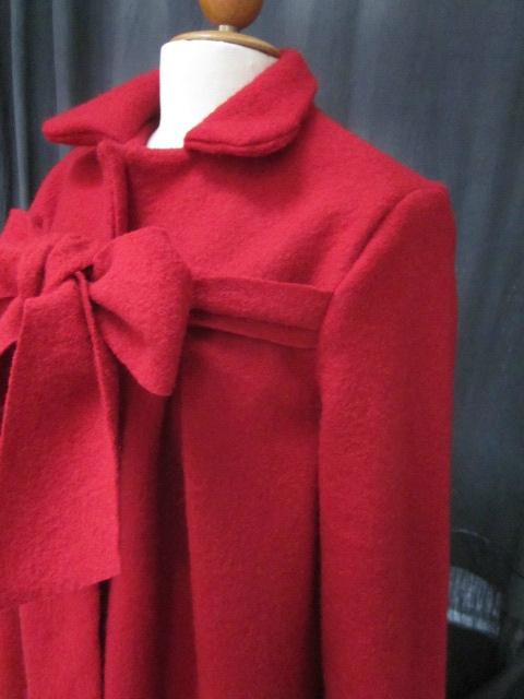 Manteau AGALE en laine bouillie rouge fermé par un noeud (6)
