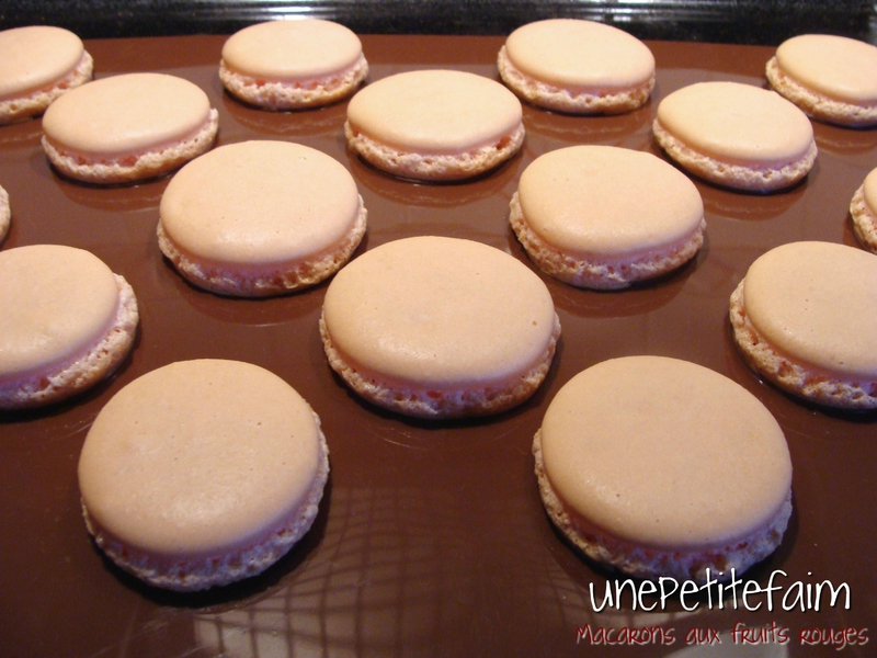 Macarons fruits rouges - cuisson coques