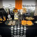 Table à desssert d'halloween - halloween sweet table - silver and black halloween table