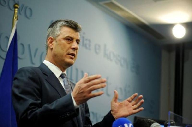 224458-le-premier-ministre-kosovar-hashim-thaci-devant-la-presse-a-pristina-le-16-decembre-2010