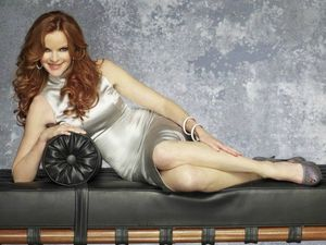 Season-8-Photoshoot-desperate-housewives-25275087-595-446
