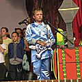 11 Clovis à la guitare