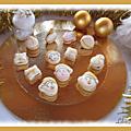 Macarons de noël blancs et or