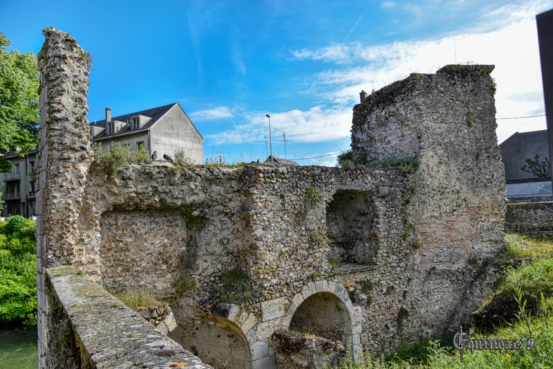 Les Fortifications de Chartres – La Porte Guillaume (Time Travel) (1)