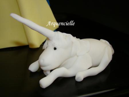 Gâteau 3D tapisserie Dame à la licorne le modelage