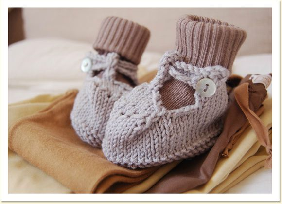 blog-madame_chacha-knitted_baby_slippers_2