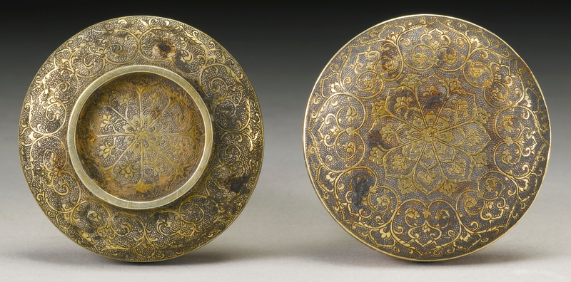A finely decorated small gilt-silver box and cover, Tang dynasty (618-906)2