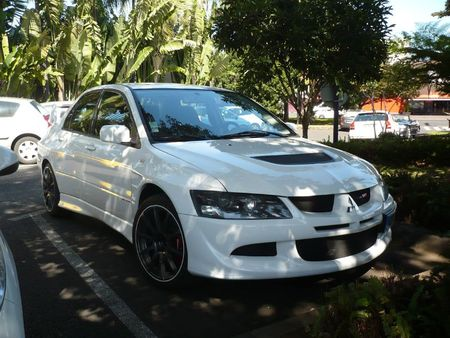 MITSUBISHI Lancer Evolution MR FQ-300 Le Tampon (1)