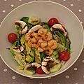Salade crevettes / avocat / crème basalmique