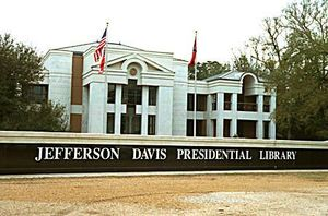 jefferson-davis-presidential-library-on-grounds-of-his-last-home-built-in-1853-in-biloxi-ms034