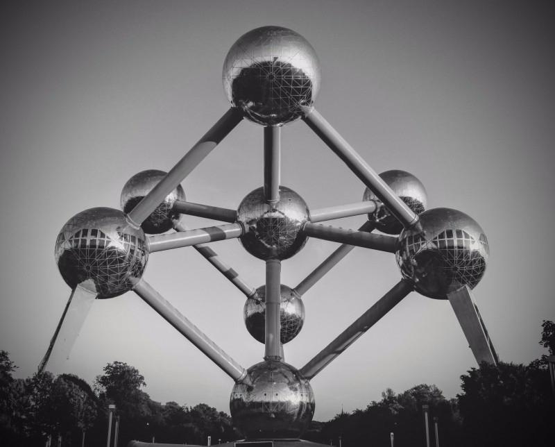 atomium-brussels-belgium-atom-monument