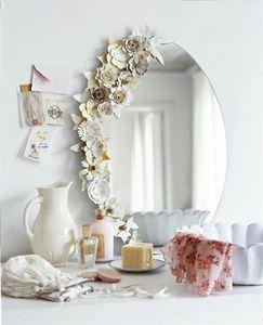 miroir_fleurs_boite_oeufs