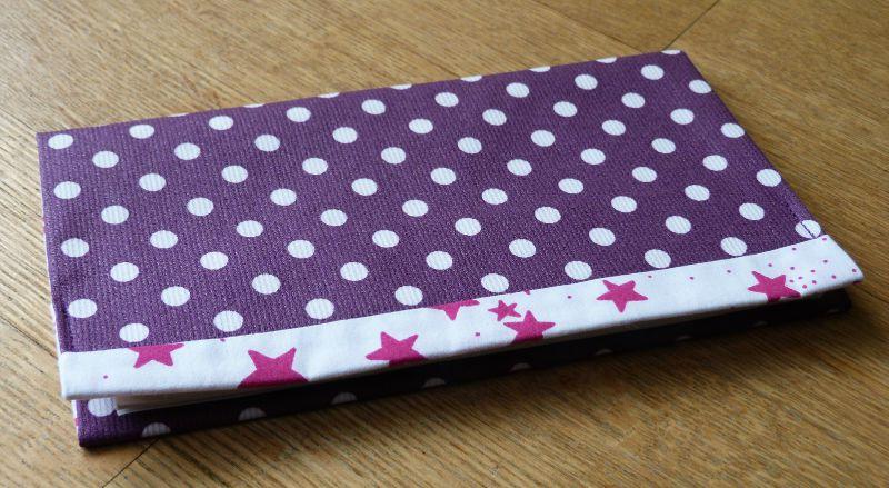 07. violet à pois et étoiles roses