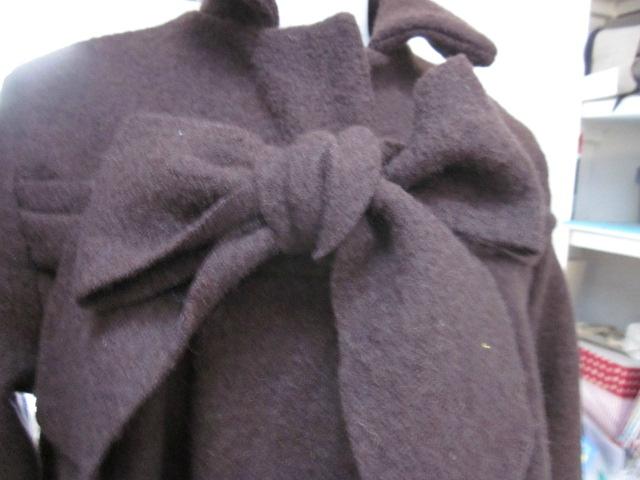 Manteau AGLAE en laine bouillie chocolat fermé par un noeud (7)