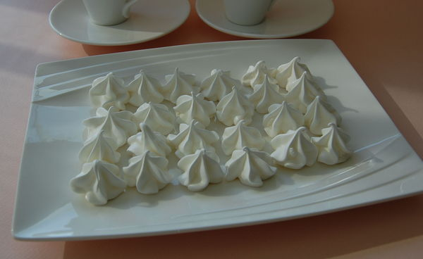MERINGUES_BLANCHES