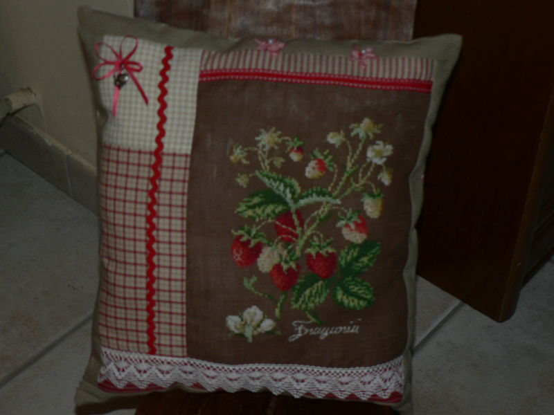 COUSSIN BRODE 001