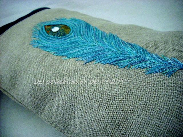 COUSSIN PLUME BRODERIE 4 bis