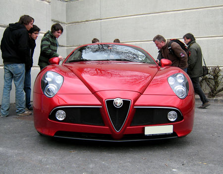 Alfa_Romeo_8C_competizione__23_me_Salon_Champenois_du_v_hicule_de_collection__02