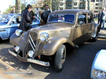 Citroen traction 11 (Retrorencard avril 2012) 01