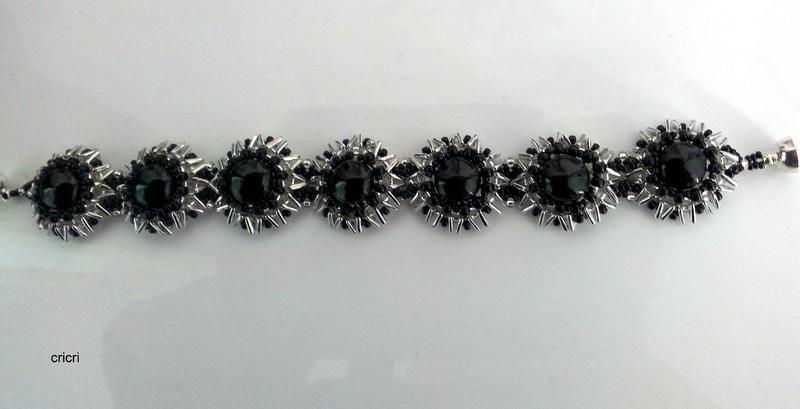 tri flowers noir et argent