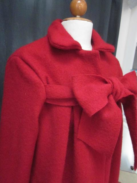 Manteau AGALE en laine bouillie rouge fermé par un noeud (5)