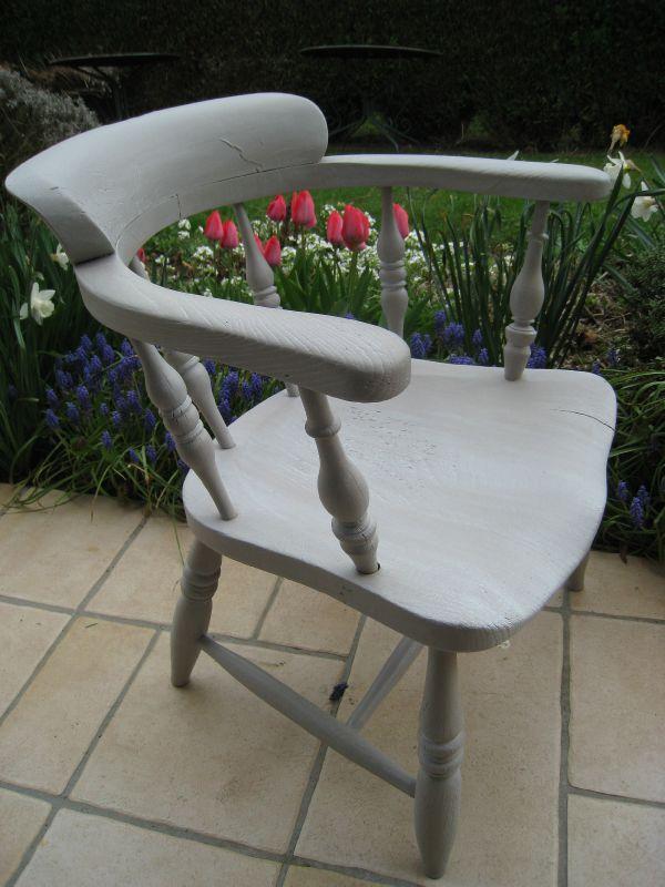 Chaise fauteuil en bois taupe blanchi COMMANDE