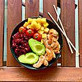 Poké bowl aux crevettes marinées