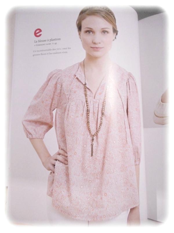 blouse plastron livre