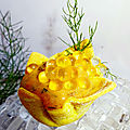 Mini spicy à la crème anchois + d'aneth - huile d'olive et perles au jus de citron