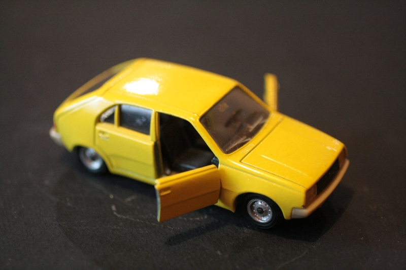 43a_Renault 14_02