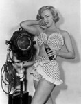 1951_LoveNest_Film_073_020_1