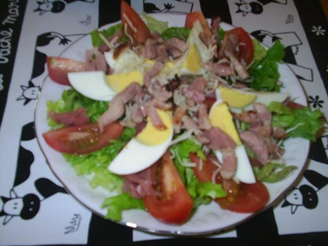 Salade vosgienne pour 2 marquise est une vache exquise - Decoration de salade sur assiette ...