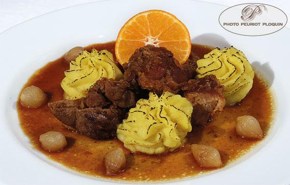 MOISSAC_LA_BUFFETERIE_buffet_des_plats_Canard_a_l_orange_puree_de_pommes_de_terre_et_celeri_au_curcuma