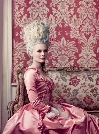 18th_century_baroque_kirsten_dunst_marie_antoinette_rococo_favim_com_58492