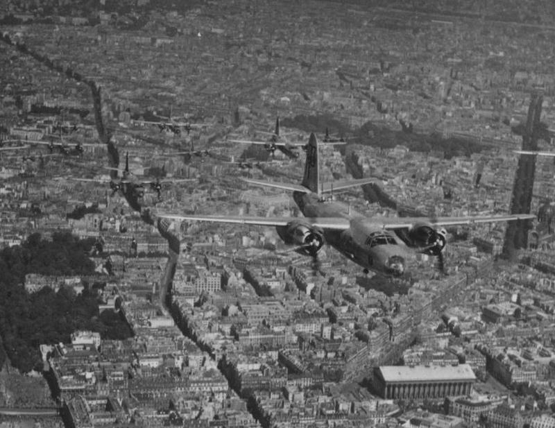 B26(Paris_14-_07-1946)_(1)