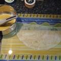 Triangles croustillants au caviar d'aubergines, poulet et feta