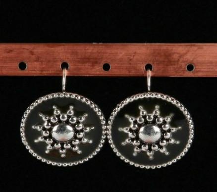 Boucles d'oreilles en émail noir avec soleil métal longueur 2,5 cm 9
