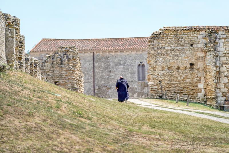 Le pape Urbain VIII, dans la bulle qu'il accorde le 26 Septembre 1629 à Henri de Béthune le transfert du siège épiscopal de Maillezais à Fontenay-le-Comte (1)