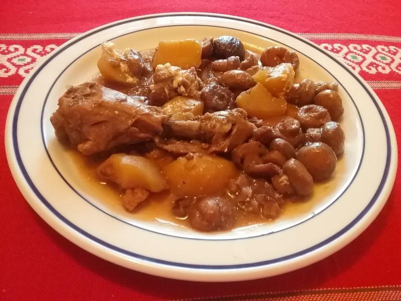 Cuisses de poulet aux châtaignes et aux champignons