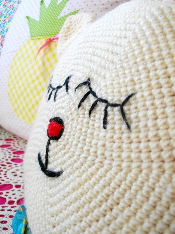 broderie-yeux-crochet