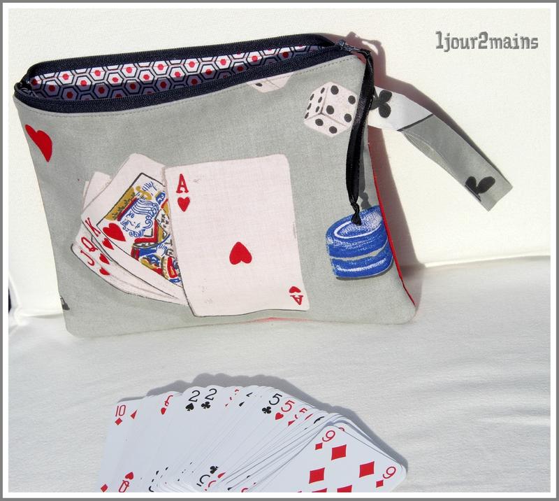 trousse jeux cartes