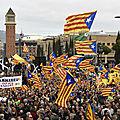 Les catalans manifestent pour l'indépendance à barcelone