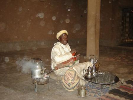 cérémonie du thé avec Aziz le chef du village