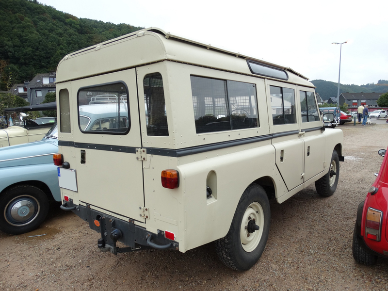 SANTANA Land Rover Series III Station Wagon Malmedy (2)