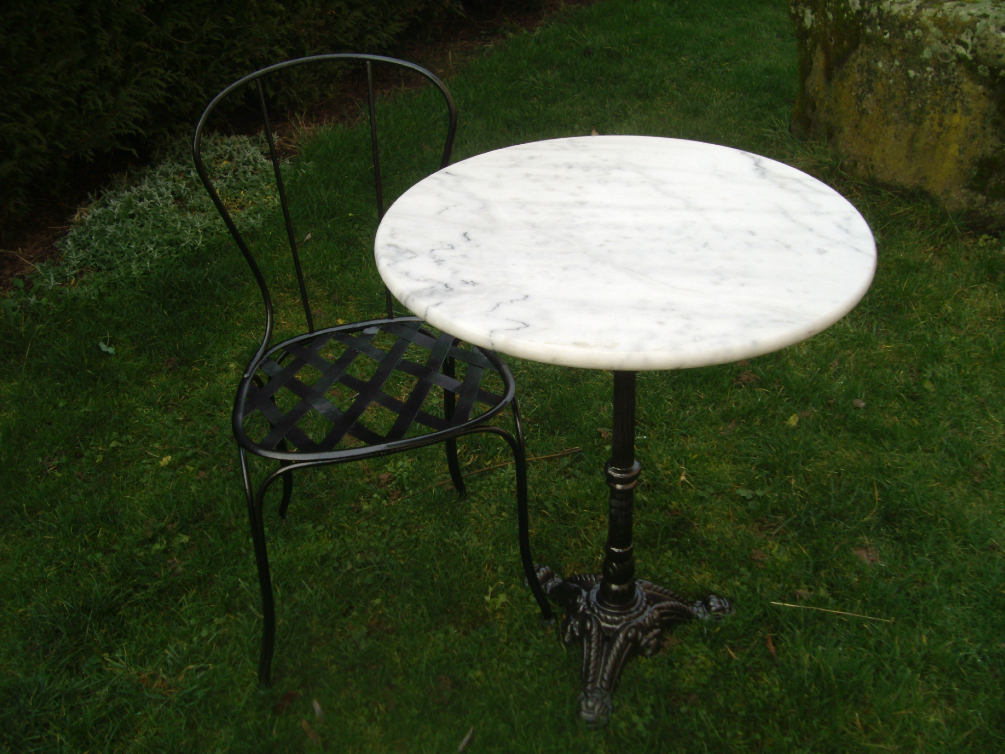 table marbre,chaise fer forgé